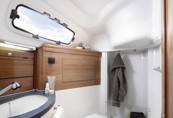 Bavaria 31 Cruiser - Naßzelle mit Toilette & Dusche