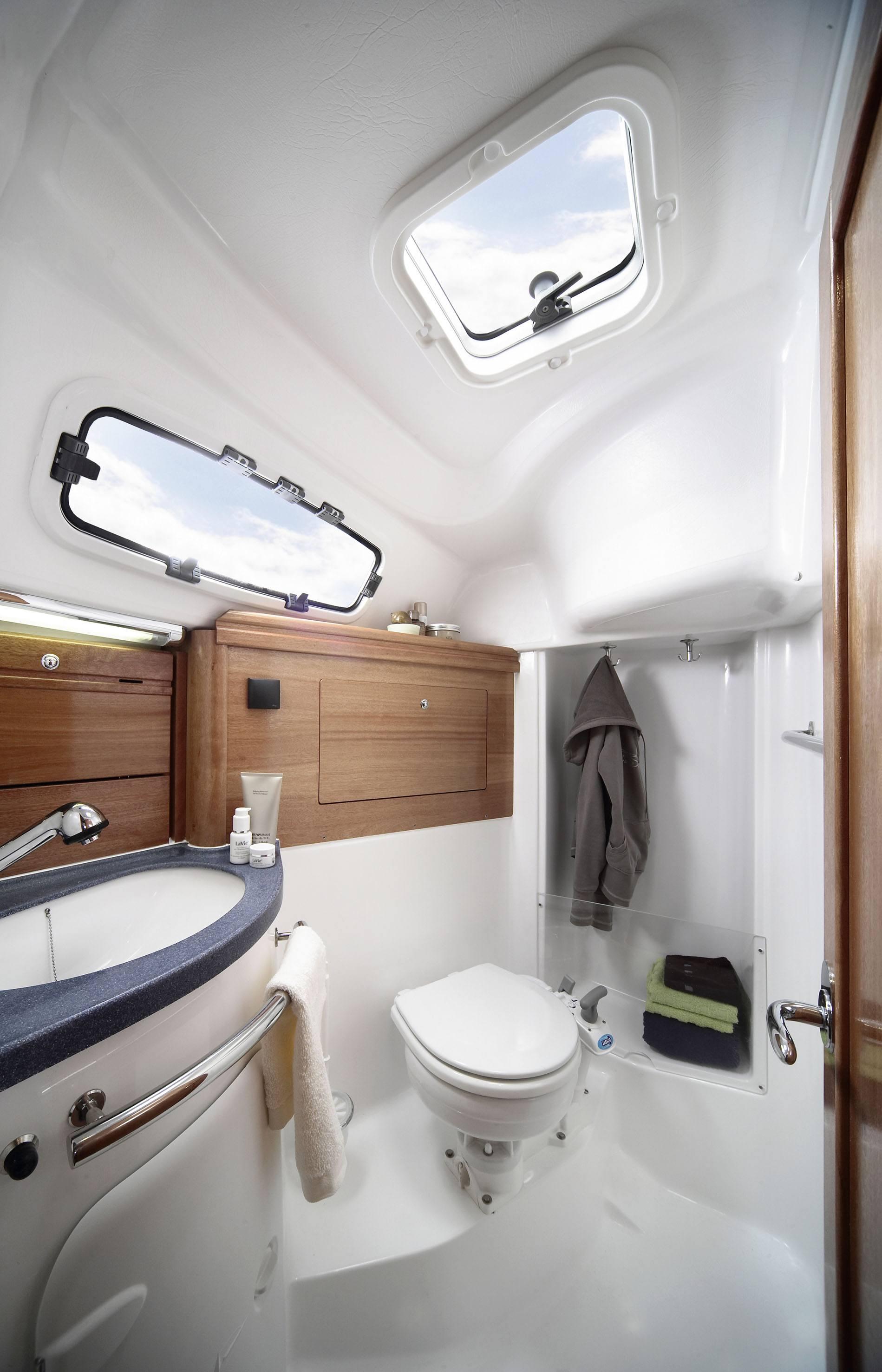 bavaria 31 cruiser nazelle mit toilette dusche - Nasszelle Dusche Wc