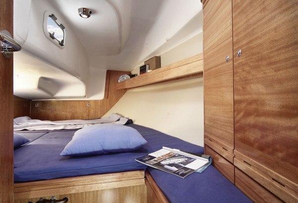 Bavaria 31 Cruiser - hinten eine Kabine mit einem Bett für 2 Personen