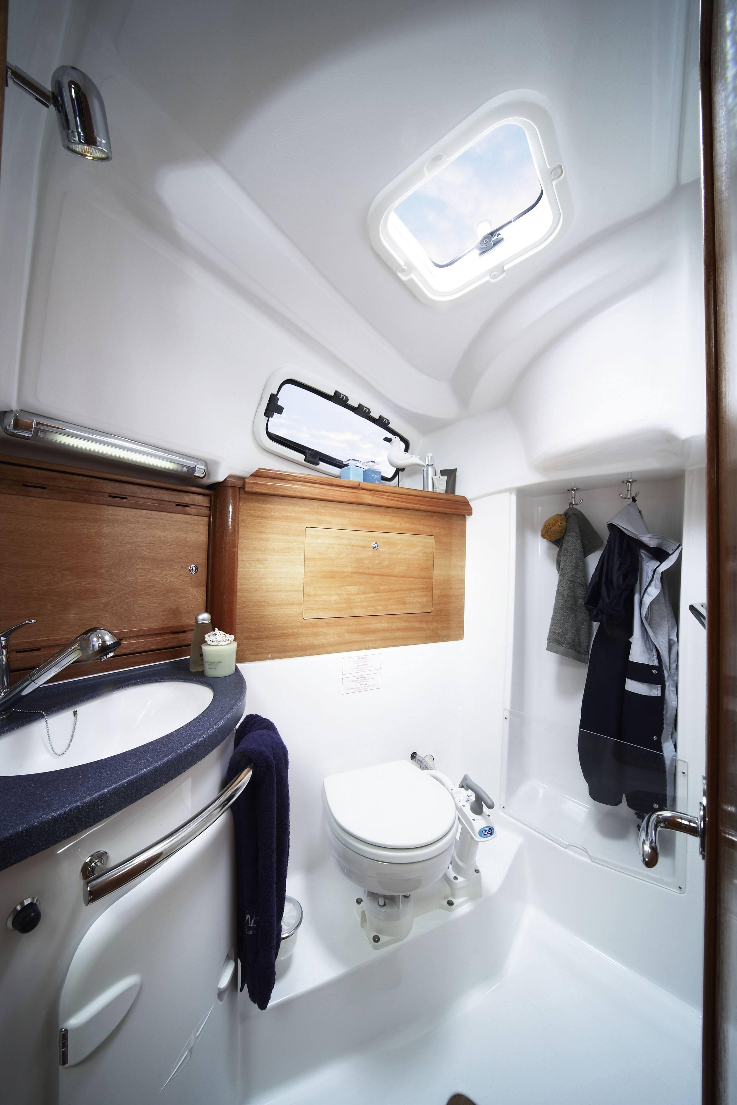 bavaria 34 cruiser nazelle mit toilette dusche - Nasszelle Dusche Wc