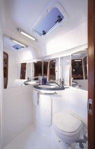 Bavaria 37 - Naßzelle mit Toilette & Dusche