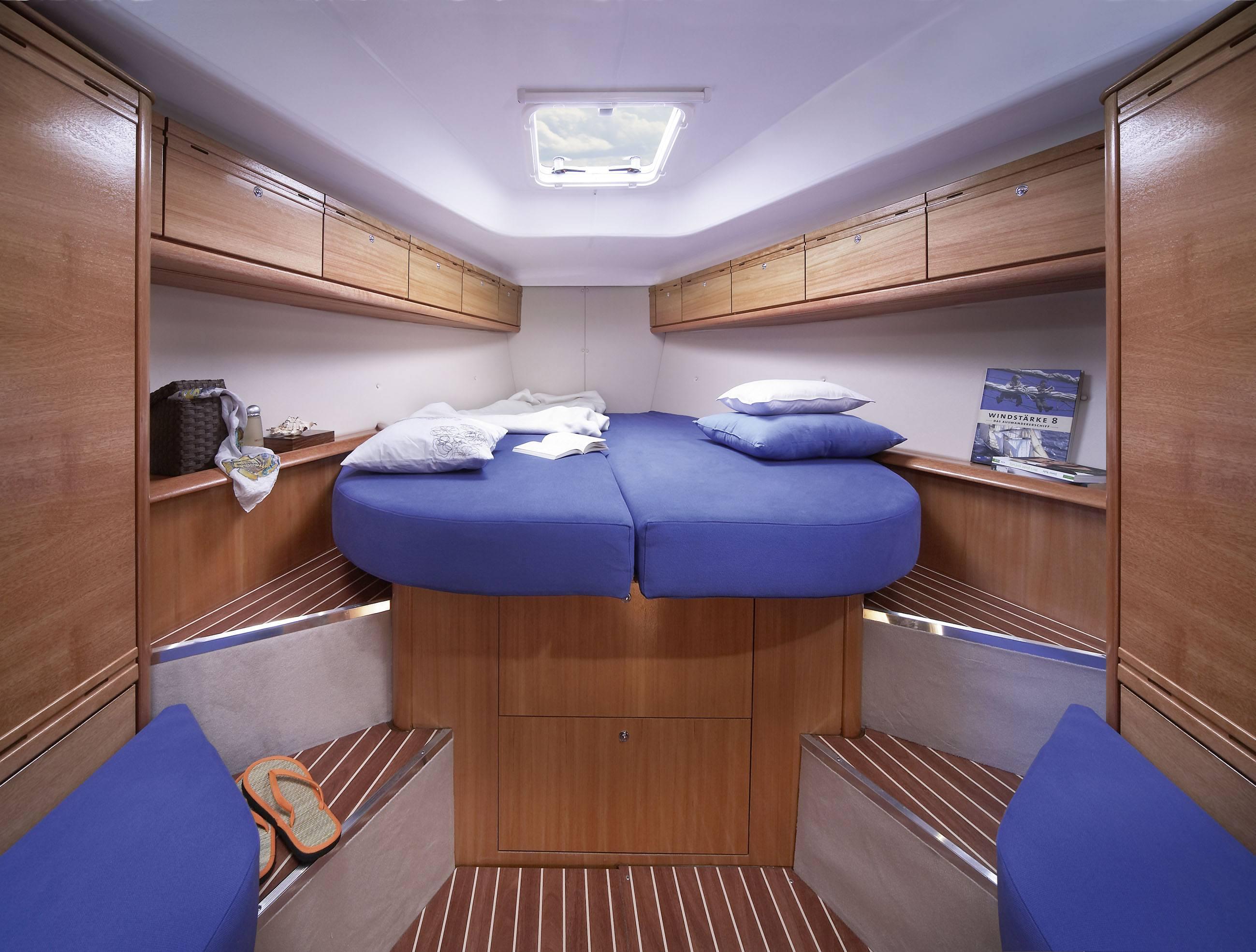 Bavaria 38 Kabine vorne im Schiff mit Doppelbett - Enjoy ...