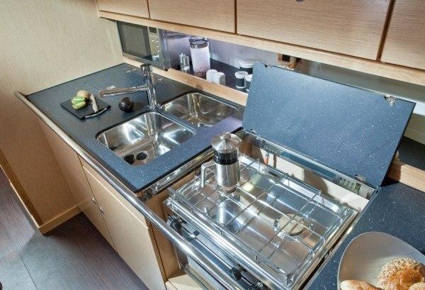 Bavaria 40 (2012) - komplett ausgerüstete Küche