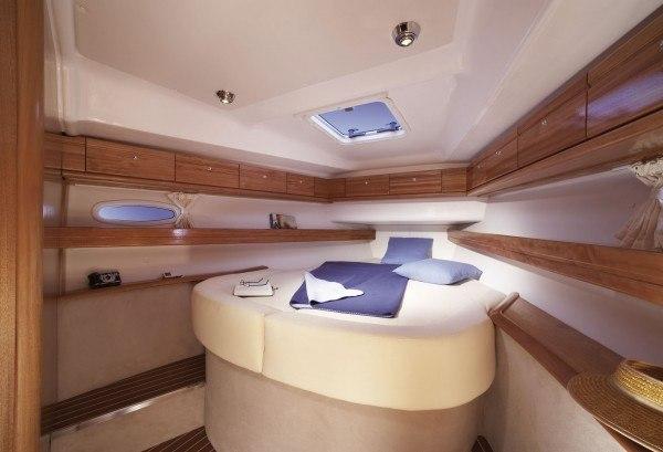 Bavaria 46 Cruiser - geräumige Kabine vorne mit großes Doppelbett