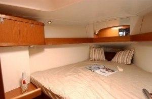Beneteau Oceanis 34 - Kabine mit Doppelbett vorn im Schiff
