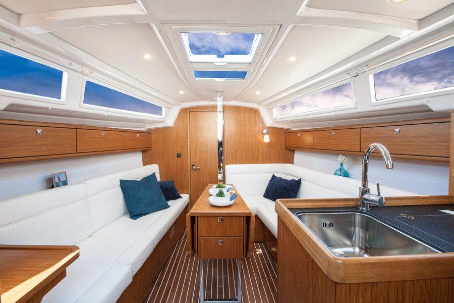 Segelyacht innen  Bavaria 33 (2013-2016) Segelboot mieten - Enjoy Sailing